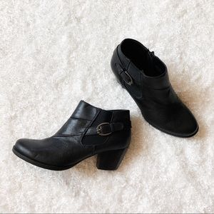 BareTraps Black Ankle Booties Size 8